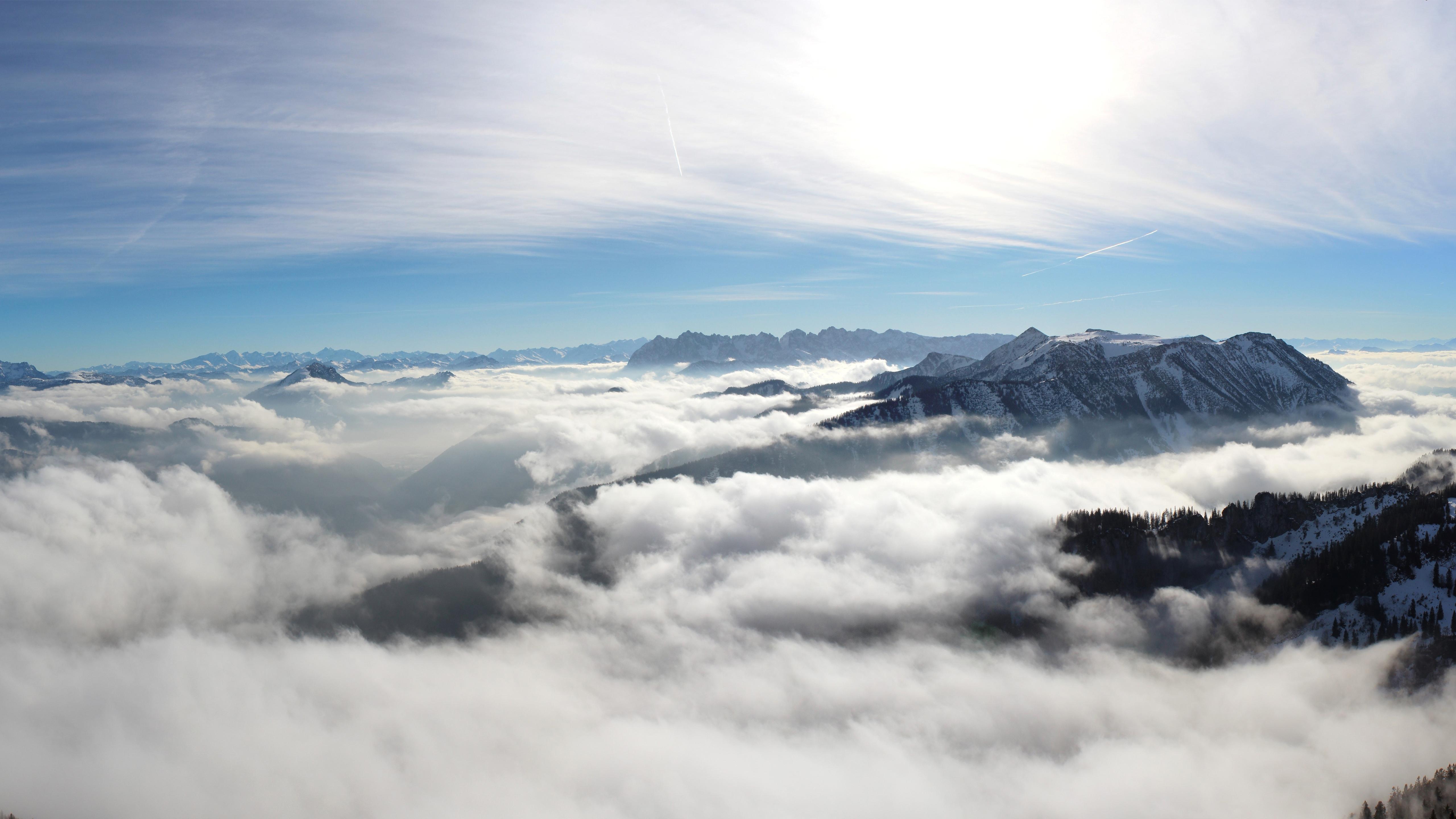 Облачно горы 5к. обои скачать