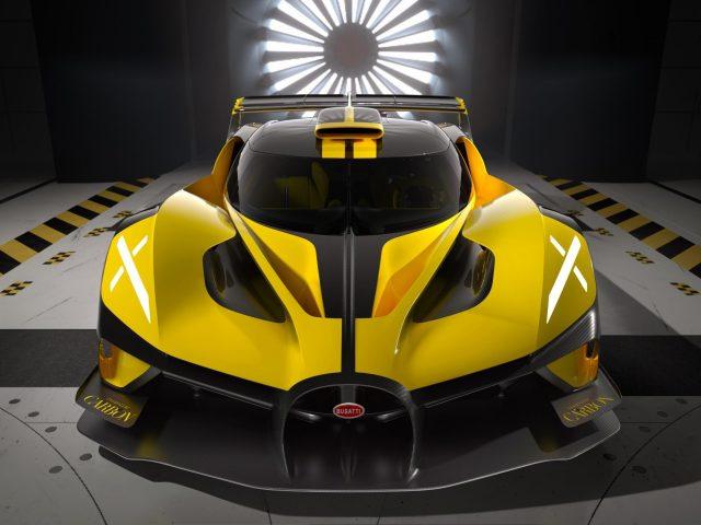 Bugatti bolide 2022 2 автомобиля