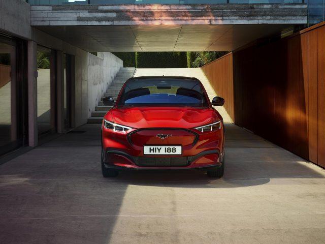 Ford mustang mach-e 4x 2021 3 автомобиля