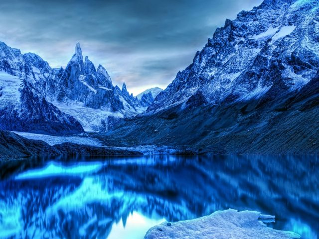 Зимние горы Антарктиды