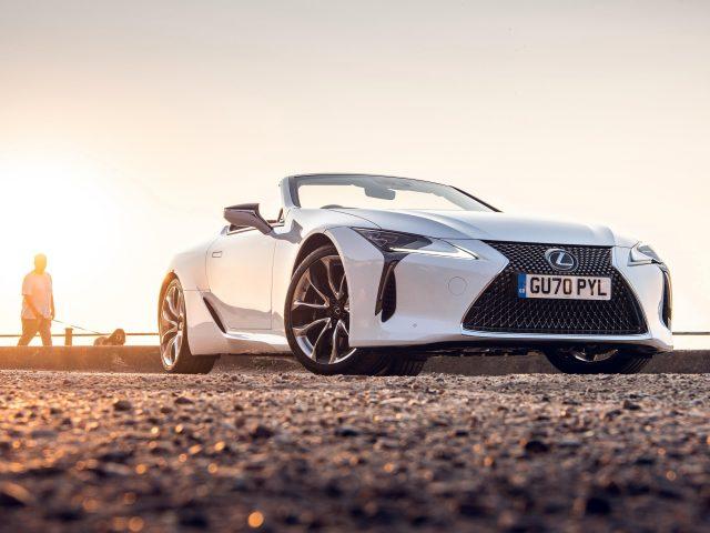 Белый lexus lc 500 кабриолет 2020 автомобили