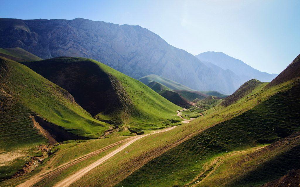 Зеленые горы Афганистана. обои скачать