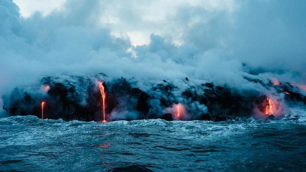Вулкан лава пар дым природа обои скачать