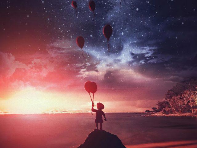 Маленький мальчик воздушные шары