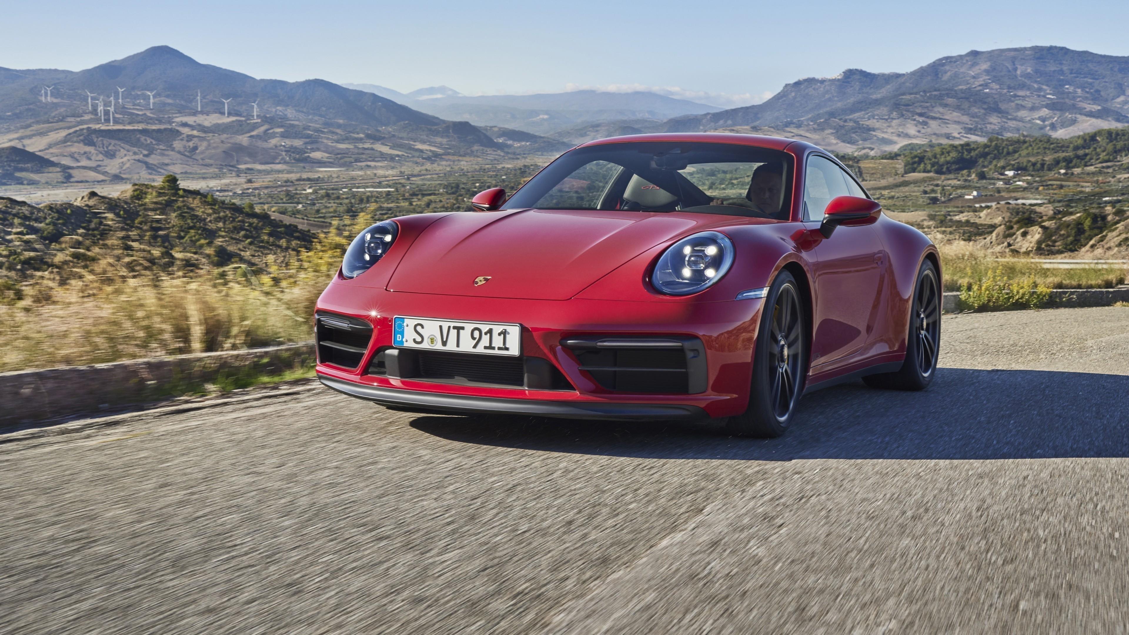 Porsche 911 carrera gts 2021 2 автомобиля обои скачать