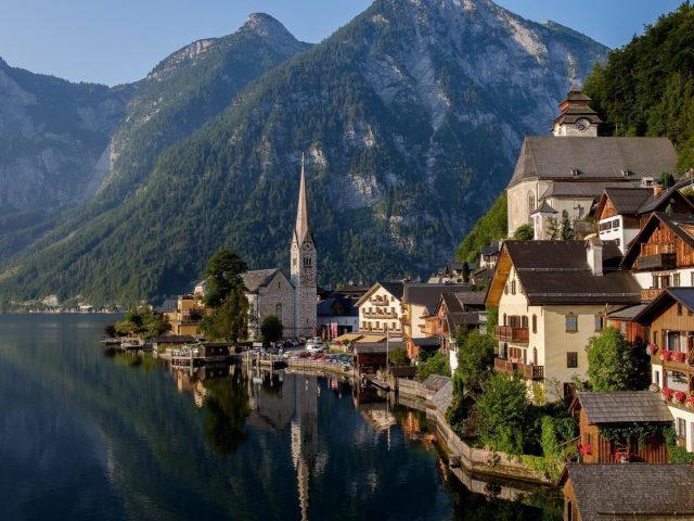 Озеро в Альпах, Австрия Гальштат природы